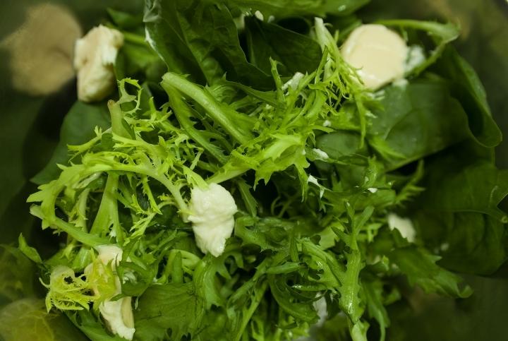 Рецепт Салат с копченым угрем