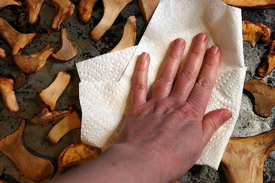 Сушка грибов в духовке - фото шаг 4