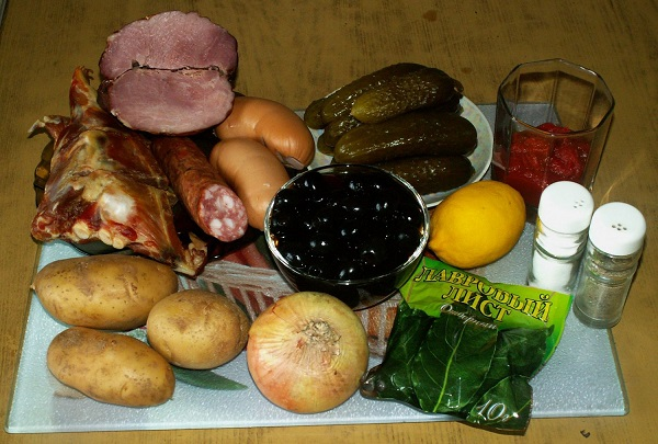Солянка со свиными ребрышками - фото шаг 1