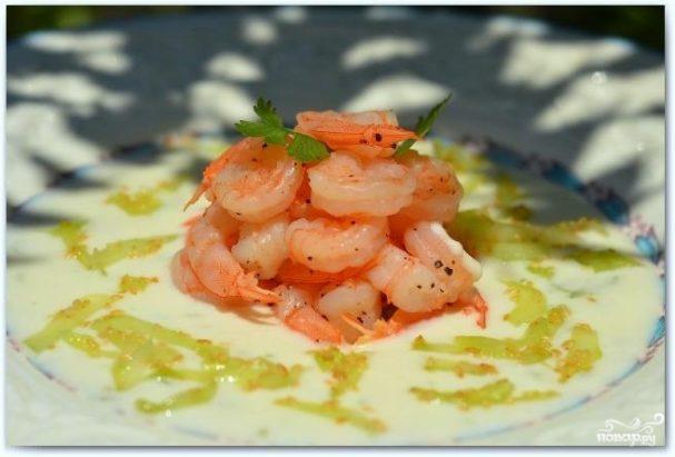 Салат с креветками в лаймовом соусе