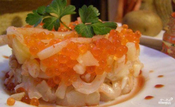 Морской салат с креветками и красной икрой