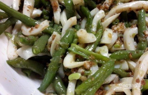 Кальмар с фасолью по-корейски