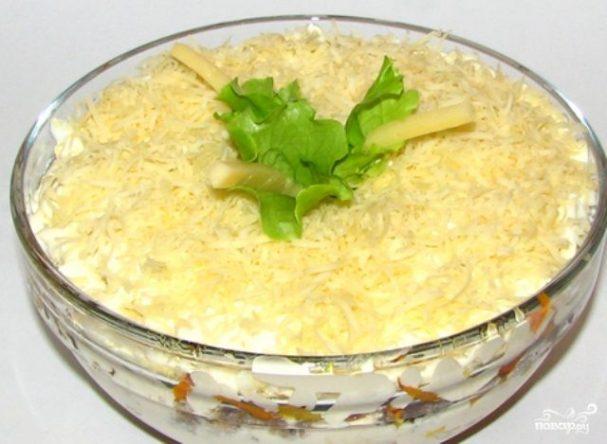Салат с рыбной консервой