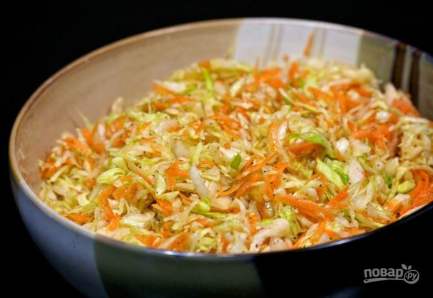 Салат со свежей капустой