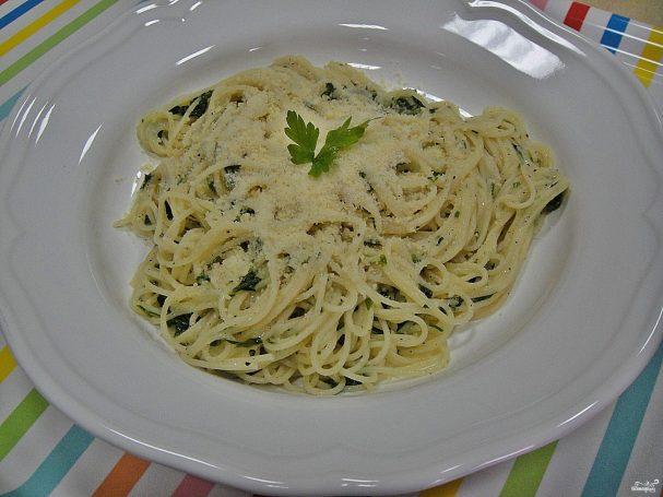 Спагетти с зеленью
