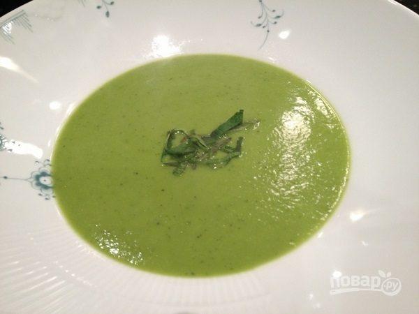 Суп-пюре из горошка с мятой