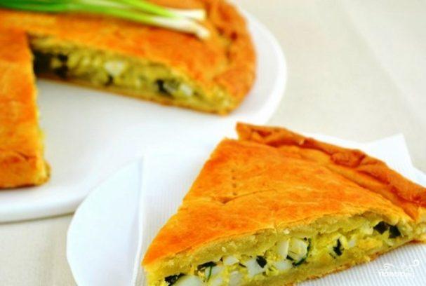 Пирог с луком и яйцом на кефире