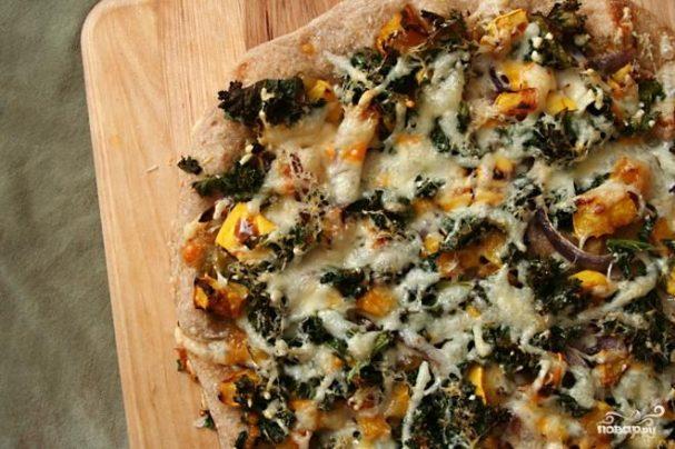 Пицца со сквошем и капустой кале