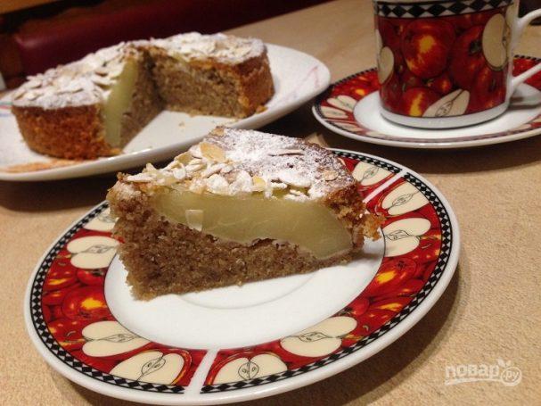 Итальянский миндальный пирог с грушами