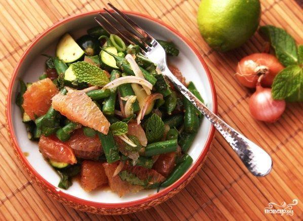 Салат пикантный с фасолью