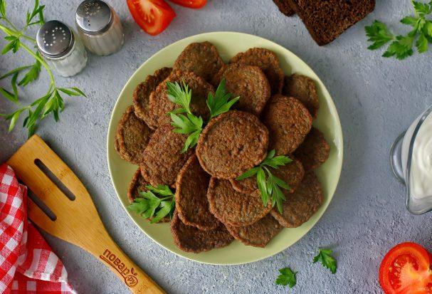 Котлеты из печени с салом