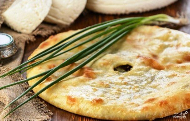 Осетинский пирог с творогом и зеленью