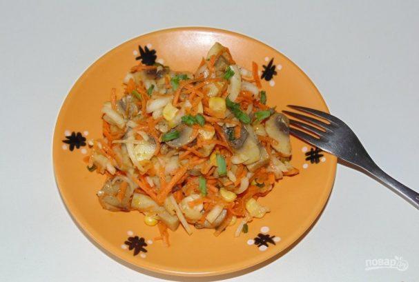 Салат из шампиньонов маринованных