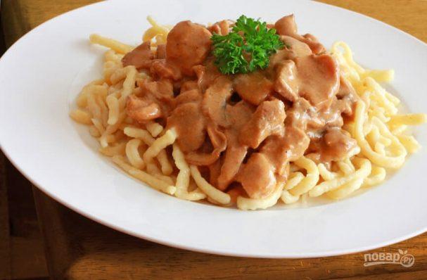 Мясо с грибами с сливочном соусе
