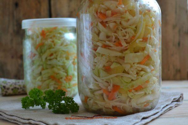 Маринованная капуста с овощами