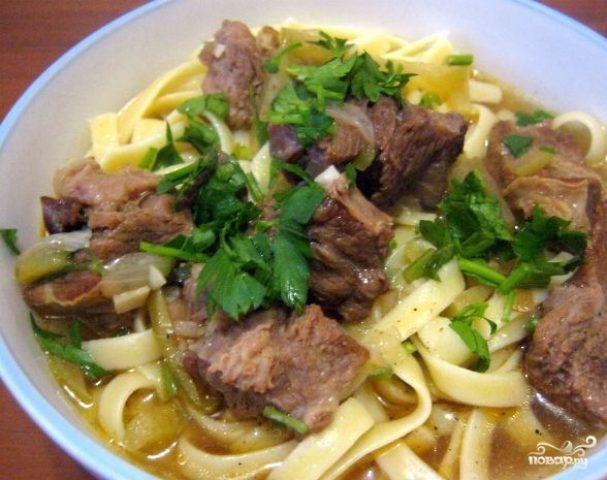 Лагман из говядины по-узбекски
