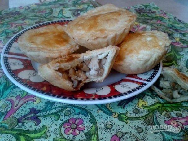Закрытые тарталетки с курицей и грибами