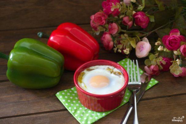 Завтрак из сосисок и яиц