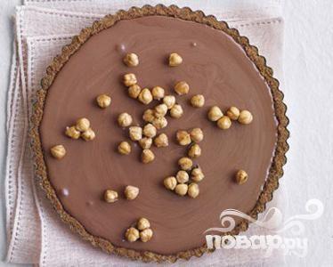 Торт с шоколадным муссом и лесными орехами