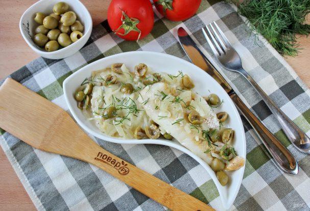 Рыба запеченная с оливками