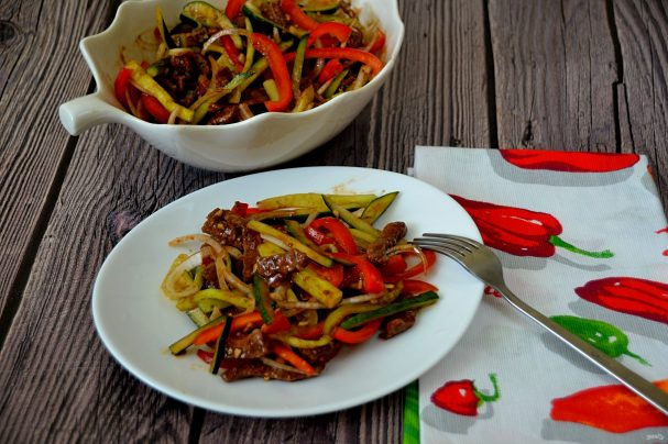 Говядина с огурцом по-китайски