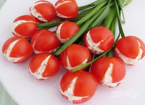 Помидорки черри с огуречно-сырной начинкой