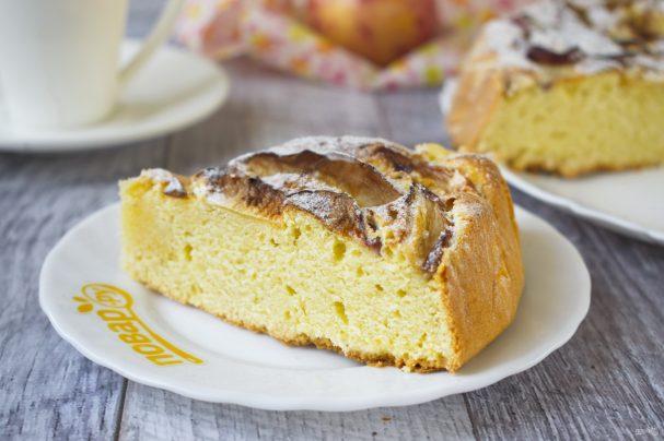 Кукурузный пирог с яблоками и рикоттой