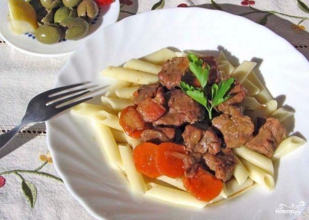 Мясо, тушенное с вином
