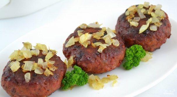 Свекольные котлеты с мясом