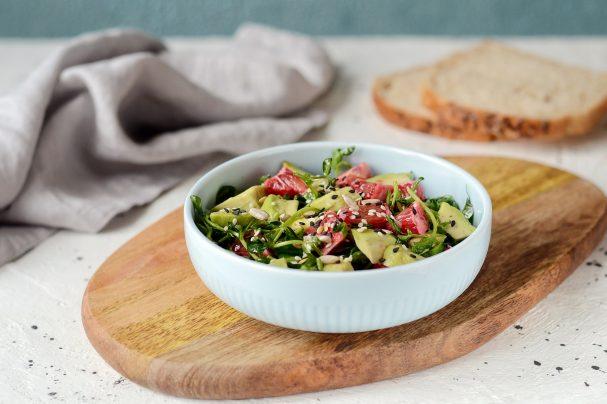 Салат с авокадо и имбирем