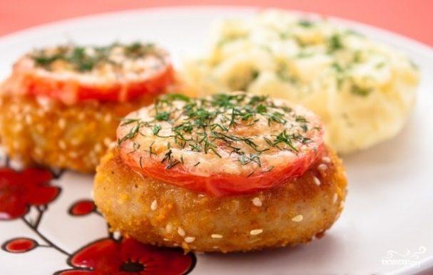 Котлеты с сыром и помидорами