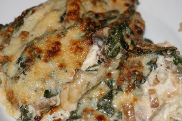Запеканка с курицей, рисом и грибами