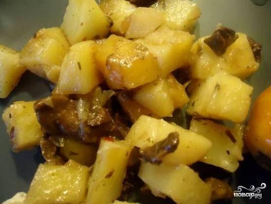 Белые грибы с картошкой в мультиварке - рецепт с фото на