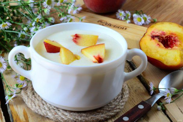 Манная каша с персиками