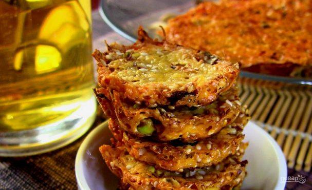 Чипсы из сыра с кунжутом