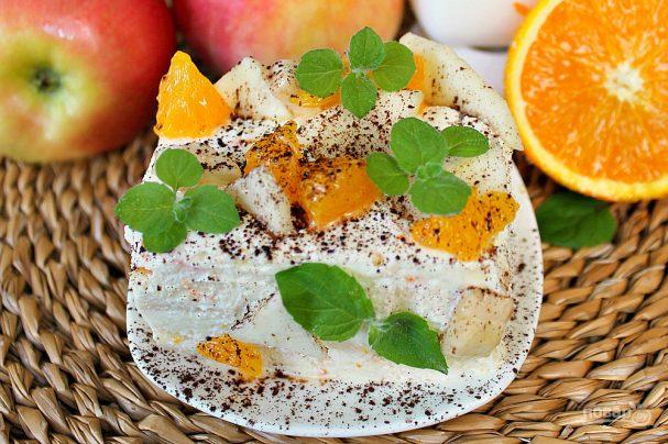Бисквитное фруктовое пирожное
