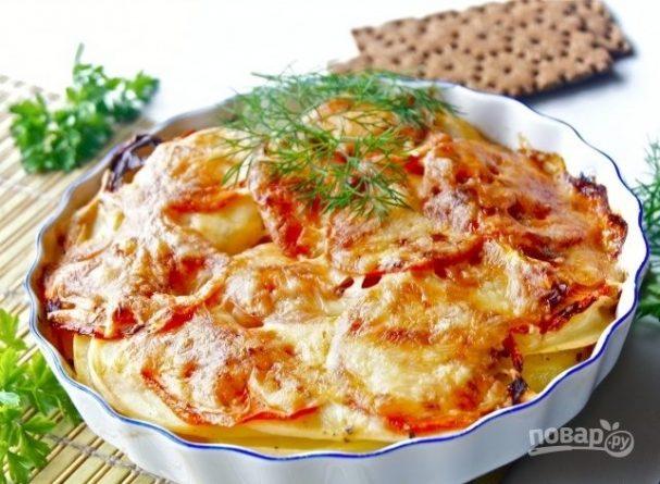 Картофельная запеканка с помидорами и сыром