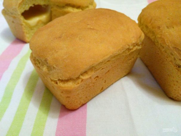 Кукурузный мини-хлеб с моцареллой
