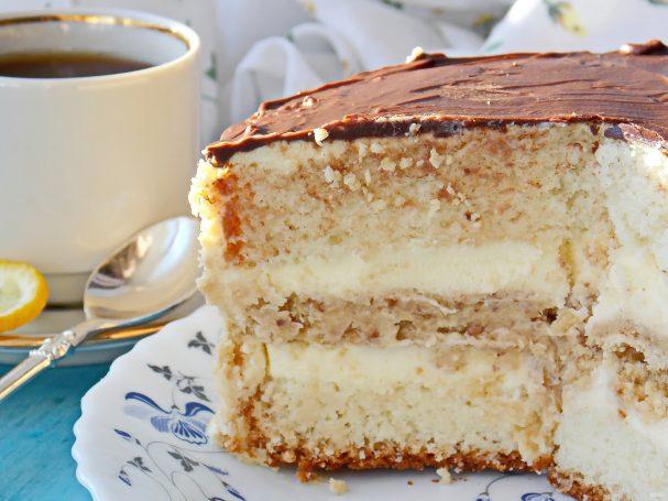 Хрустящий слой в торте