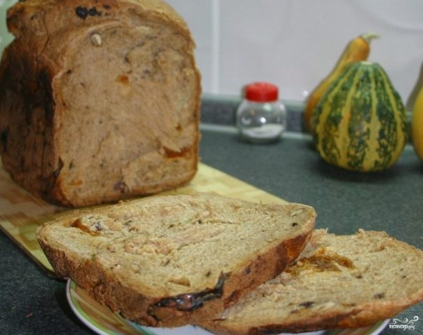 Хлеб с сухофруктами