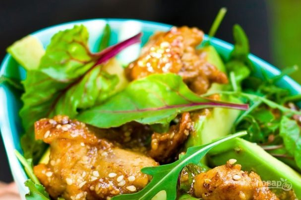 Салат теплый с курицей