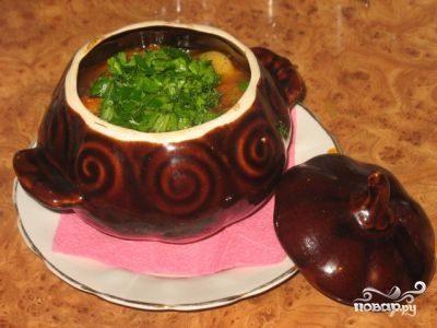 Картошка с фаршем в горшочках