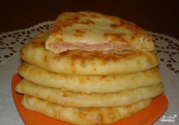 Лепешки с ветчиной и сыром