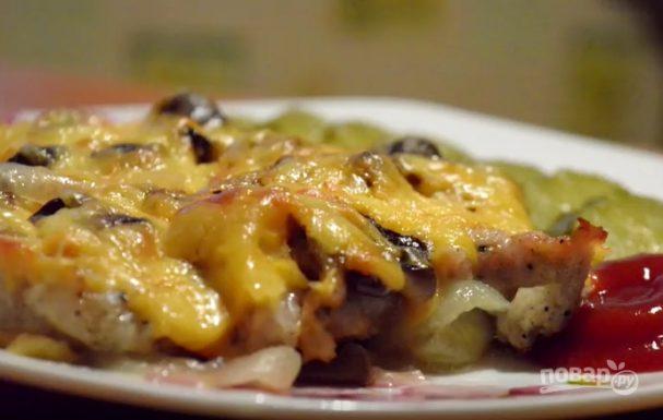 Мясо по-французски с грибами и сыром (очень вкусно!)