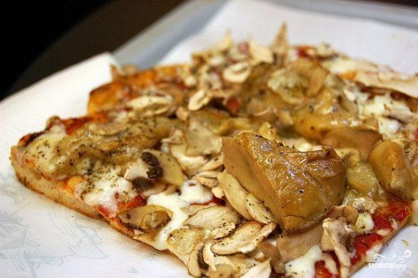 Пицца с белыми грибами и шампиньонамим