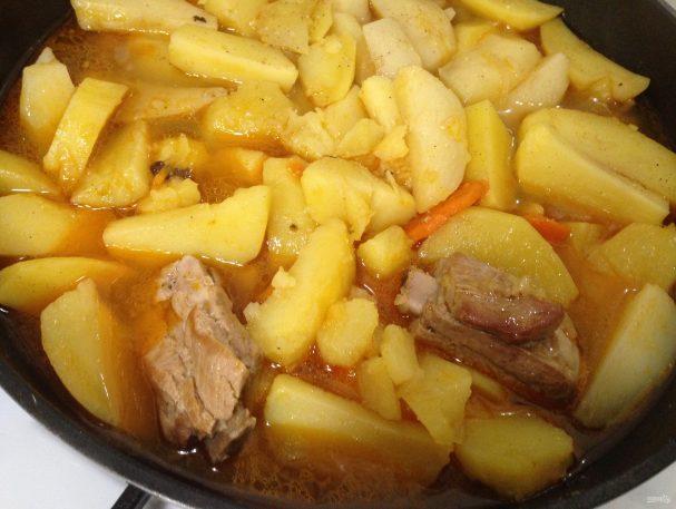 Вкусные свиные ребрышки с картошечкой