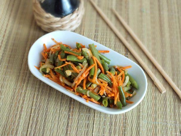 Корейский салат с зеленой фасолью