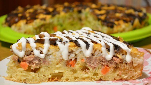 Пирог-перевертыш с мясом и грибами