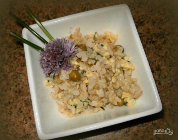 Бурый рис на сковороде