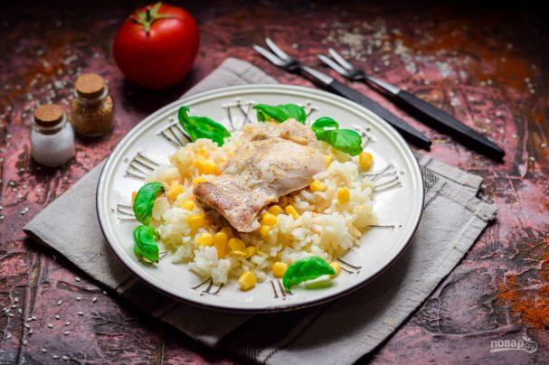 Курица с кукурузой и рисом